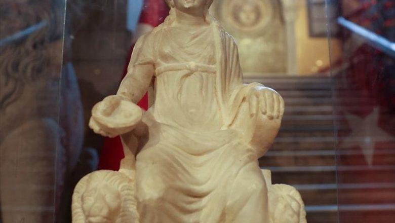 Uzun Yıllar Sonra Kybele heykeli ziyaretçilerini ağırlamaya başladı